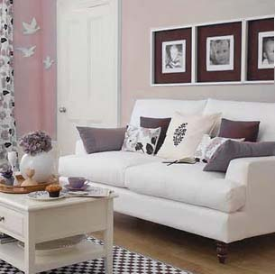 level to hang picture frames how high to hang art. Black Bedroom Furniture Sets. Home Design Ideas